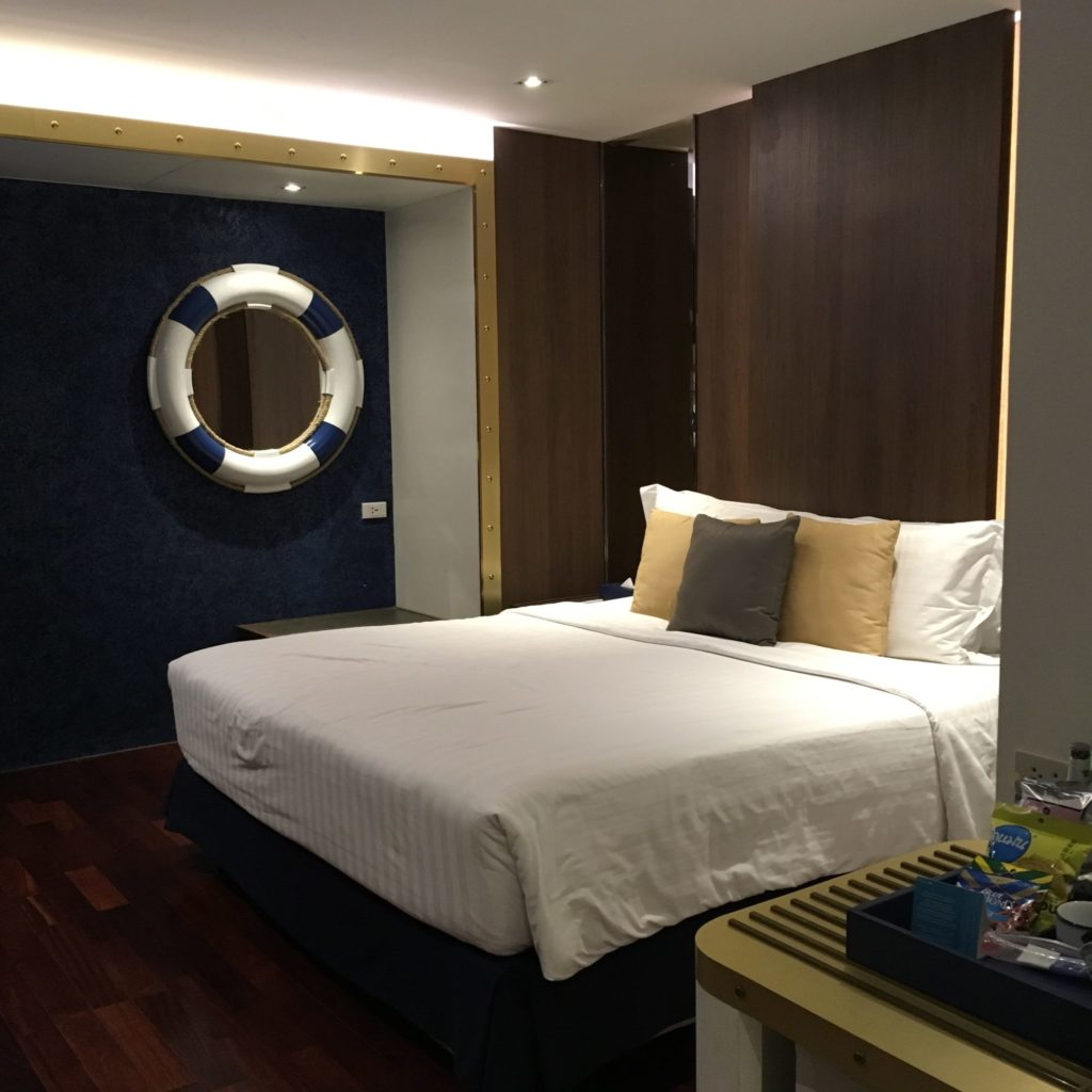 パタヤホテルベッド