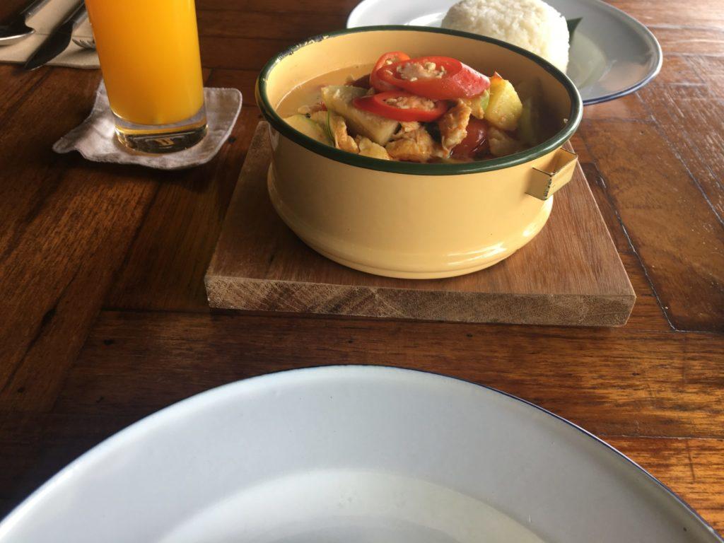 マントラ・レストラン・カレー